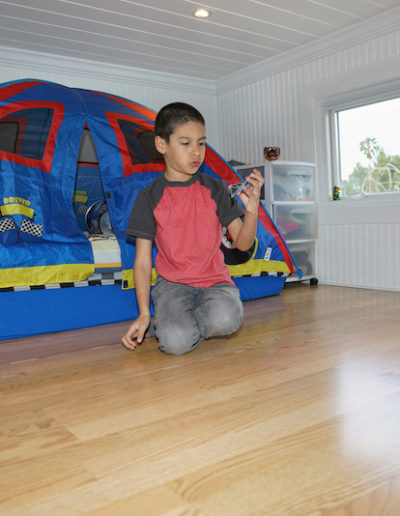 Tiny House Loft Playing